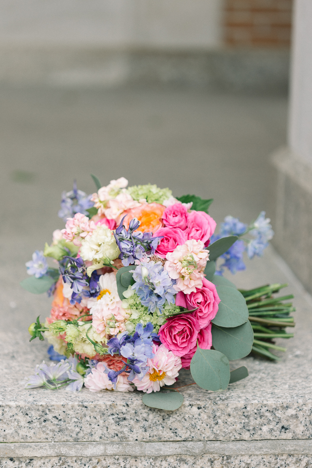 petals-and-promises-bright-wedding-bouquet