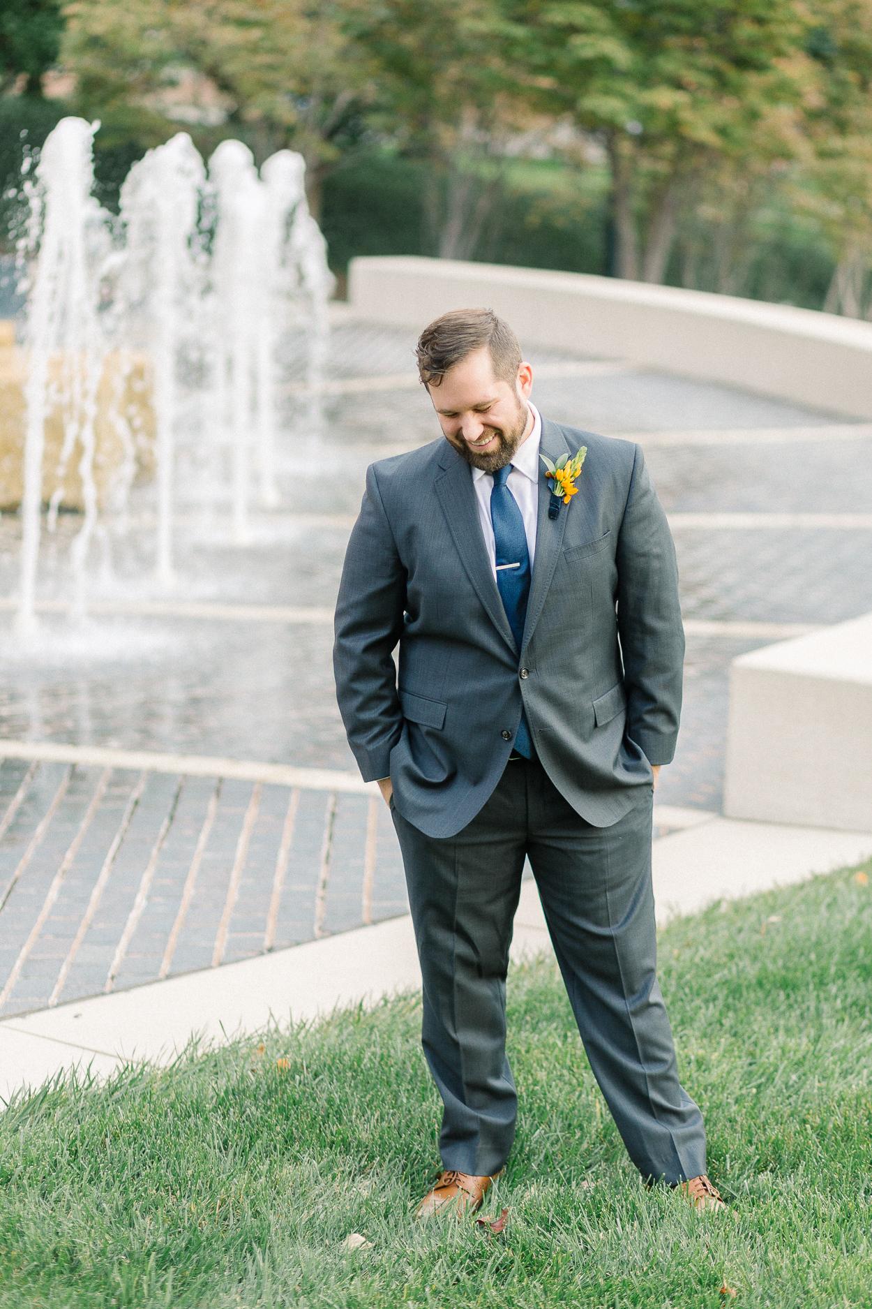 tower-club-wedding-groom-portrait-fountain