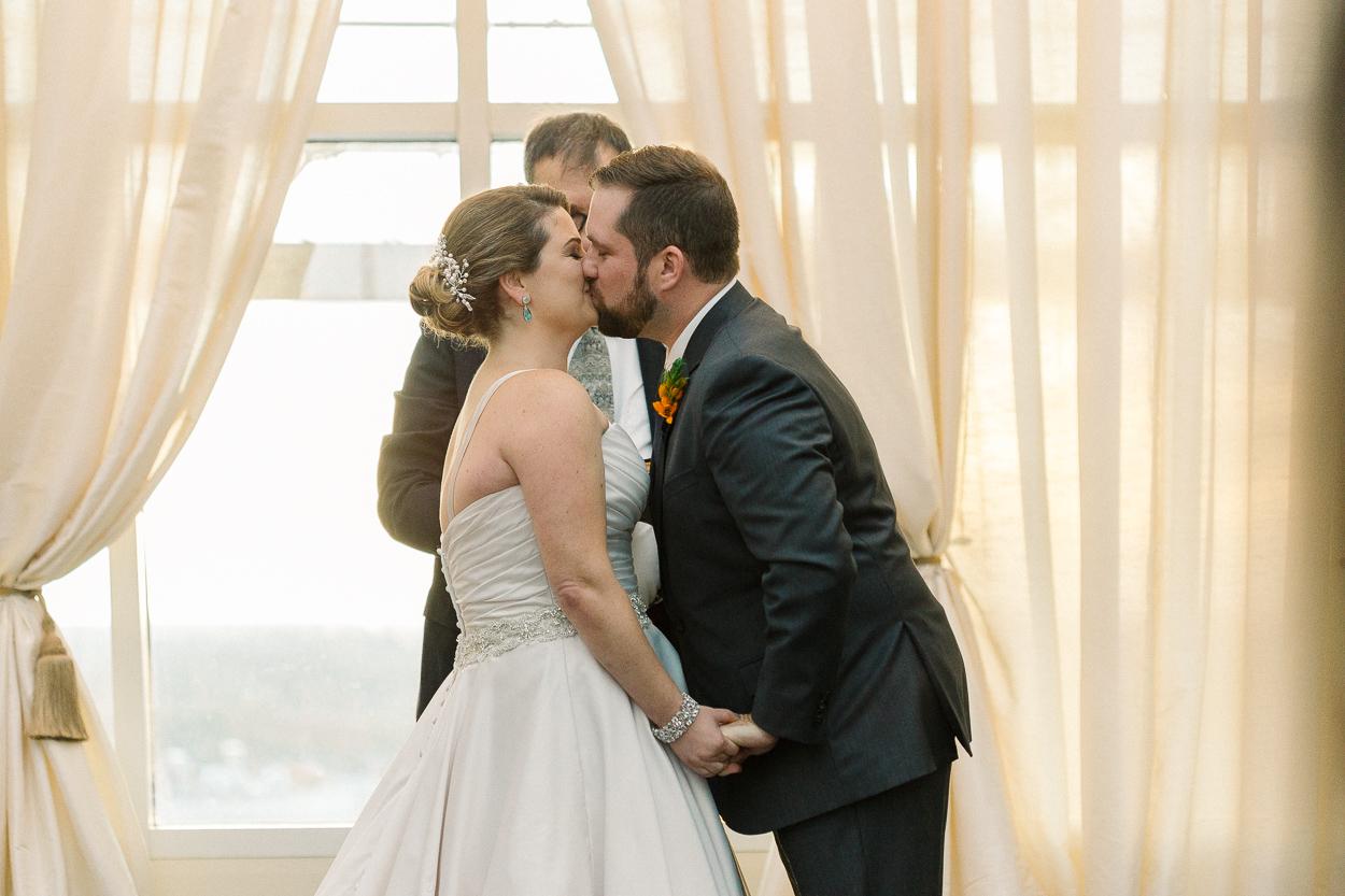 tower-club-wedding-first-kiss