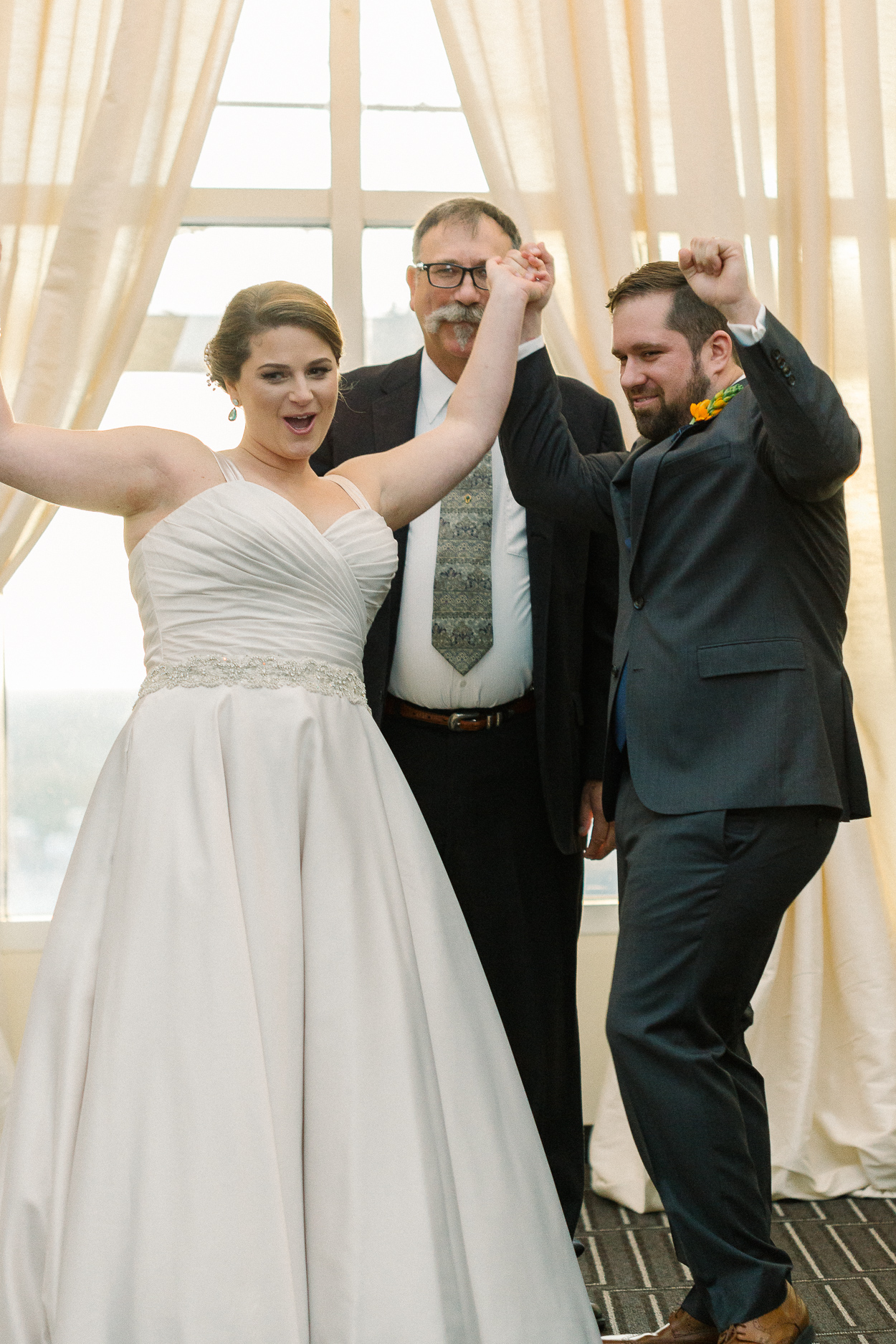 tower-club-wedding-ceremony-just-married