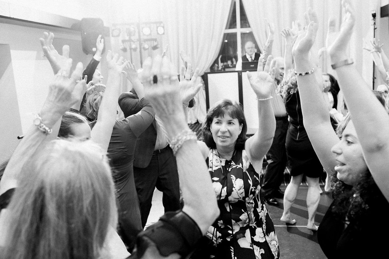 tower-club-wedding-reception-open-dancing