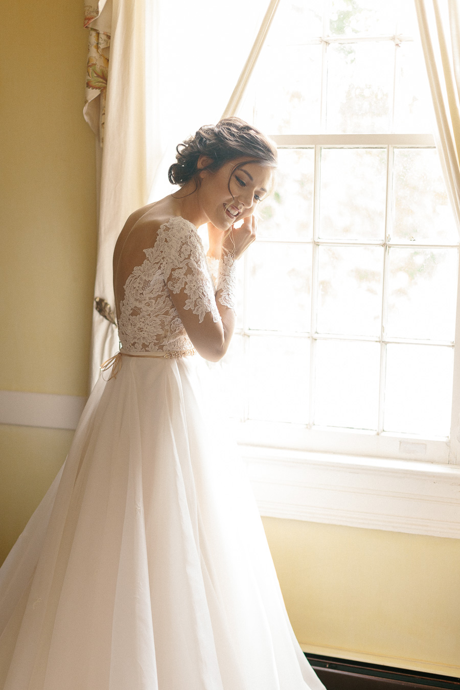paloma-blanca-lace-wedding-dress