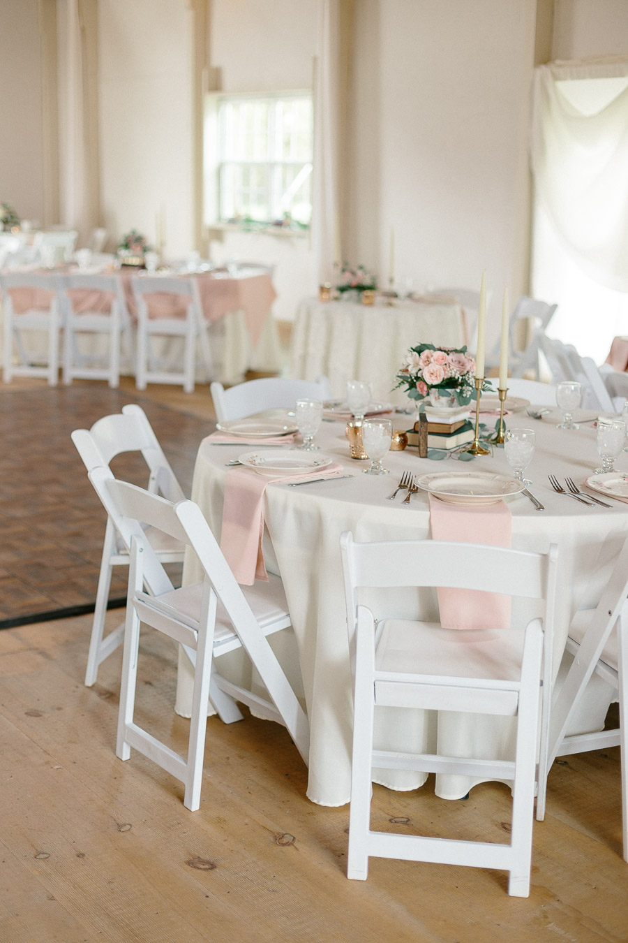 woodlawn-farm-estates-pink-wedding-reception