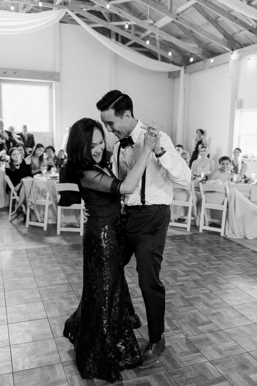 mother-son-wedding-dance-super-cute