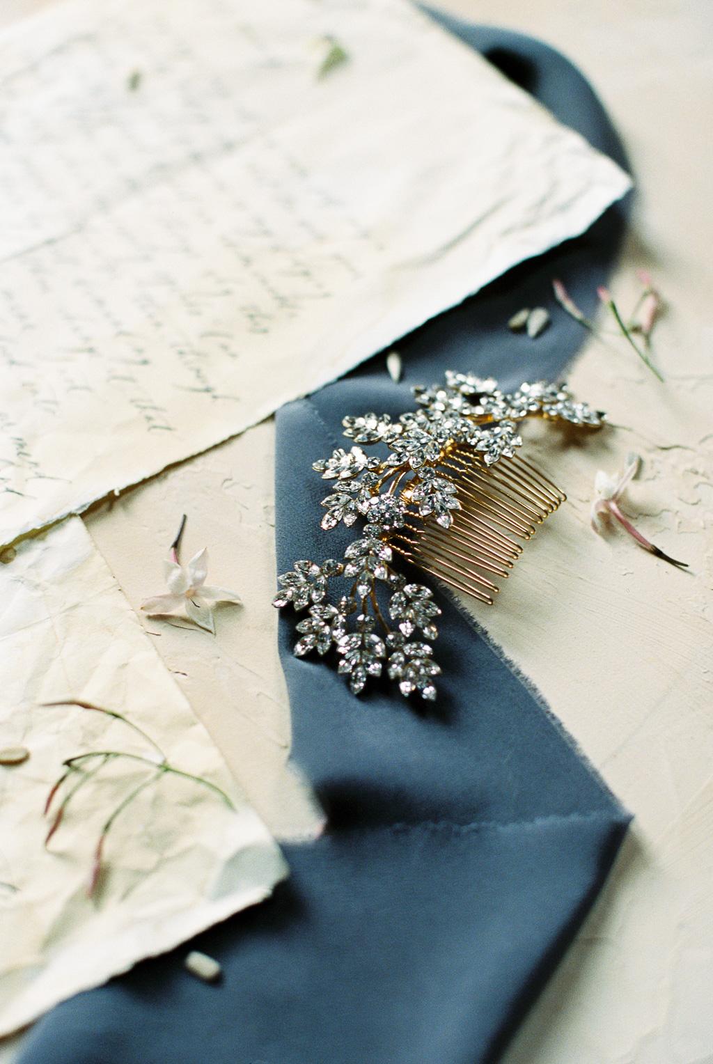 lindsey-marie-design-gold-wedding-hair-comb