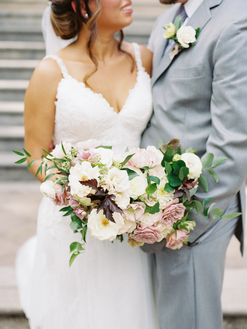 Amy-lauren-floral-design-wedding-bouquet