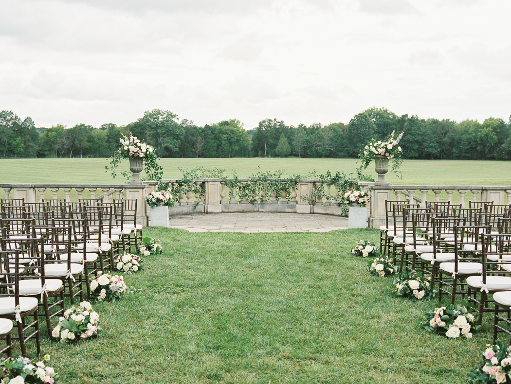 great-marsh-estate-wedding-ceremony-setup