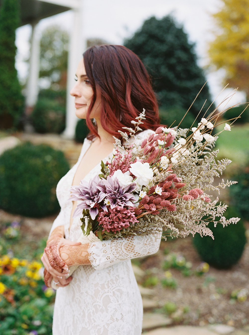 red-hair-bride-on-wedding-day-color-ideas