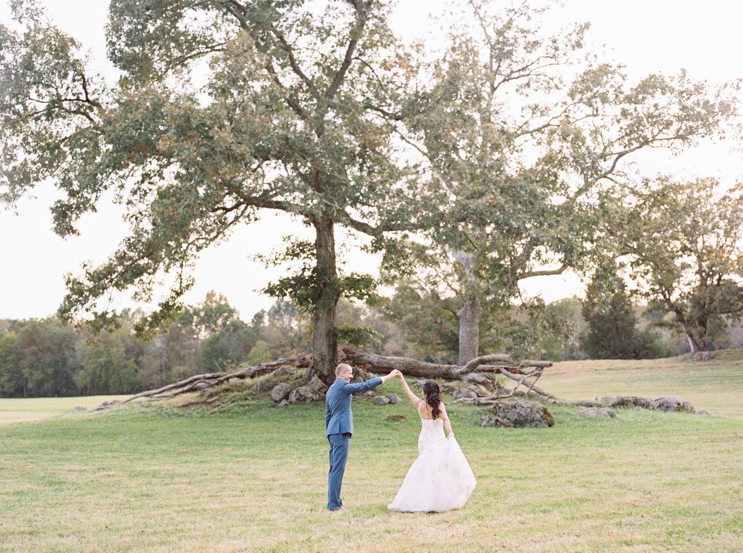 Click  here  to see more of Anna & Michael's cozy and chic Natchez, MS wedding.