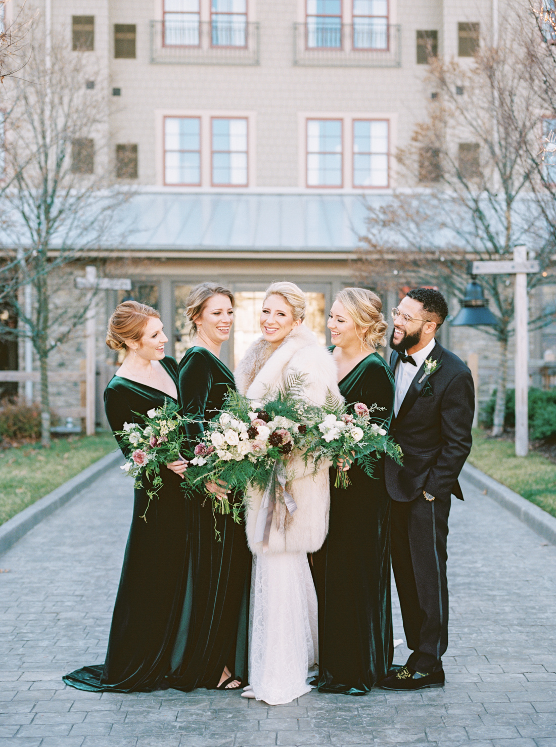 winter-bridesmaids-dresses-velvet-green-wedding