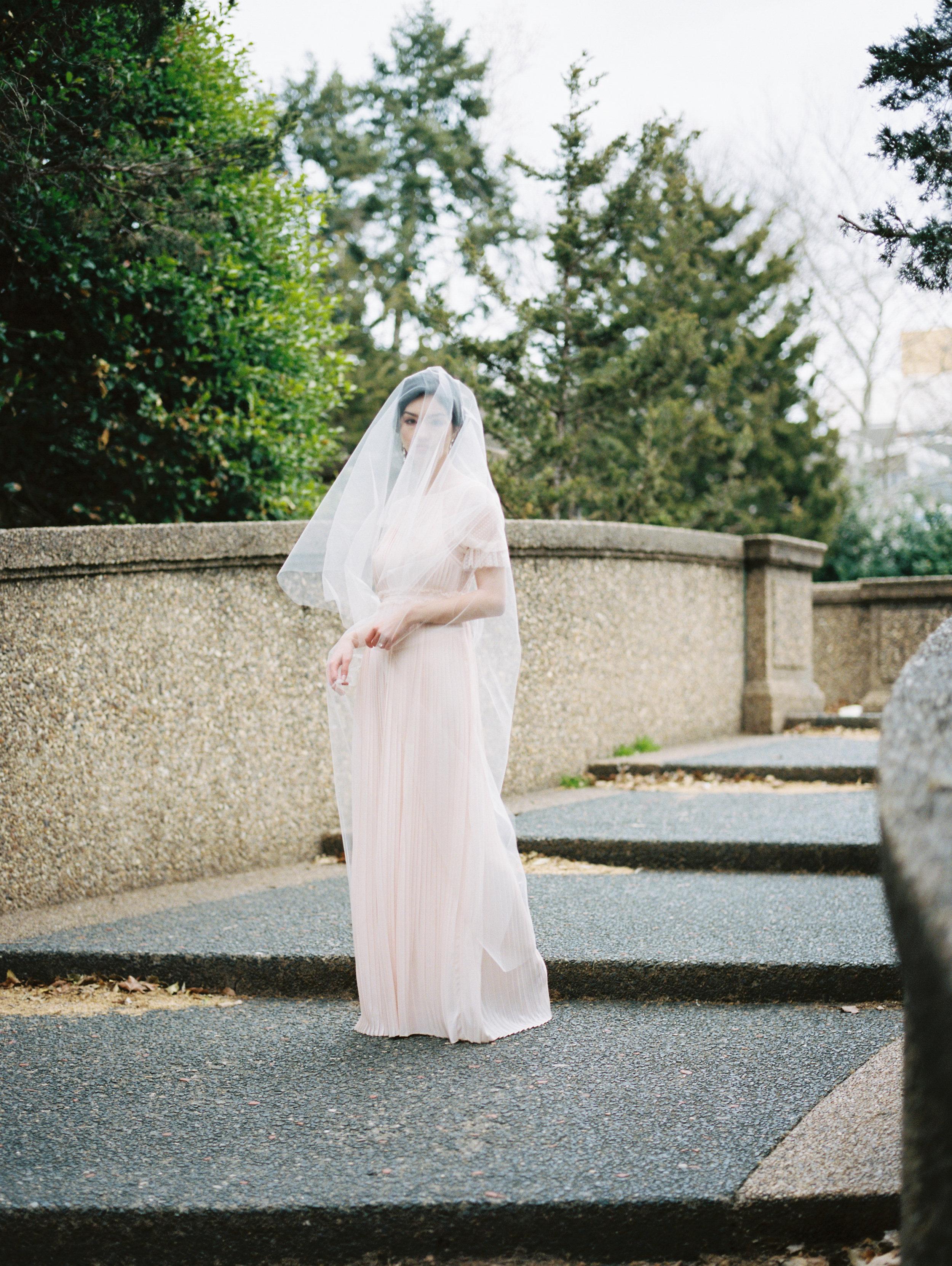 fingertip-wedding-veils-lindsay-marie-design