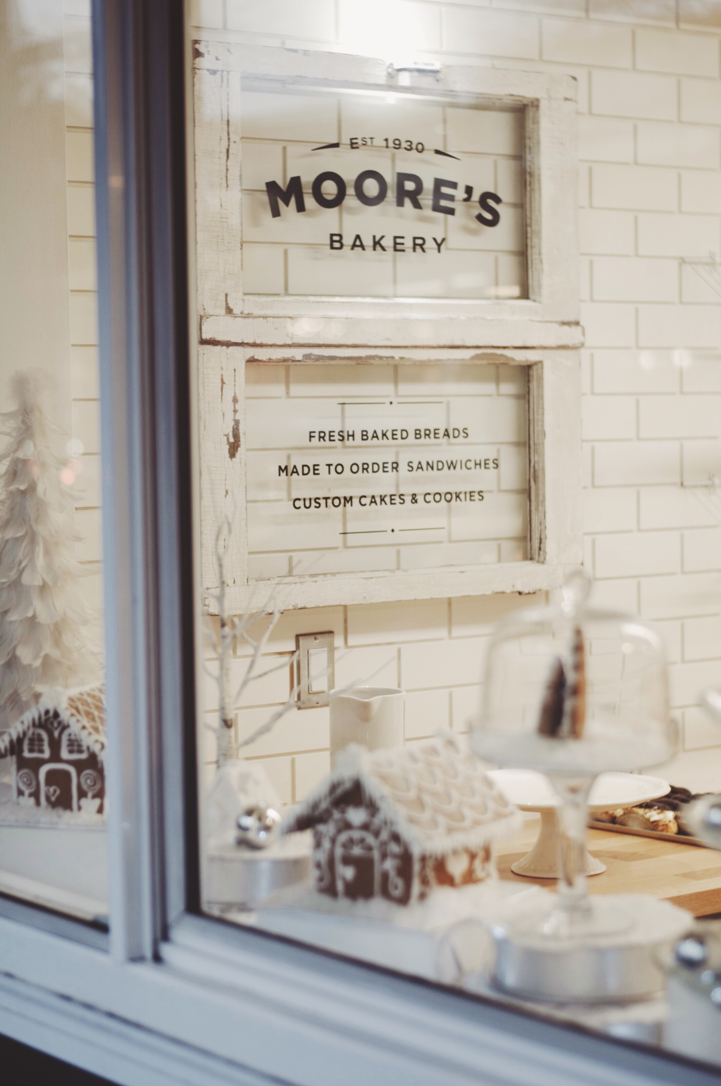 MOORE'S BAKERY