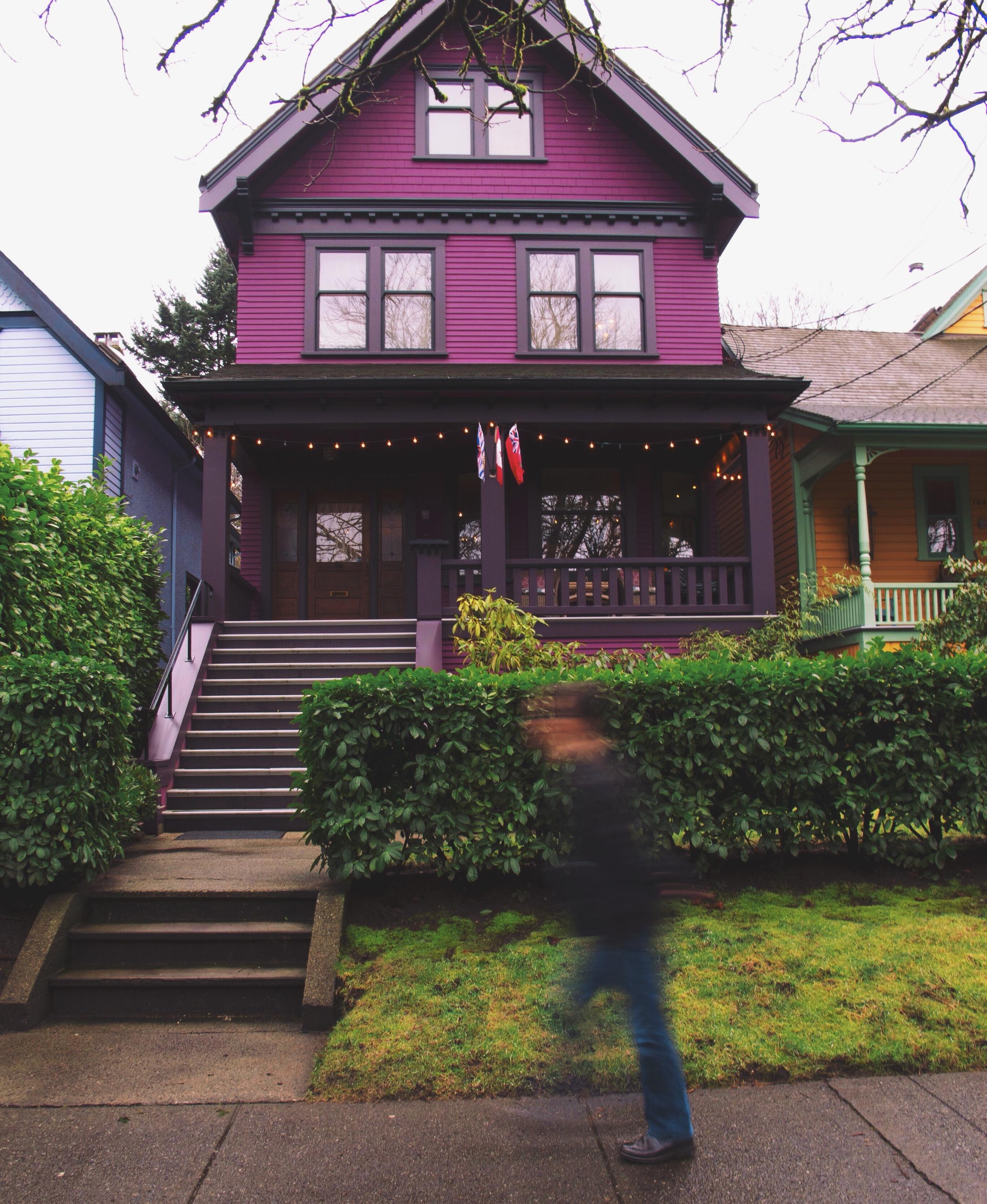 DAVIS HOUSES