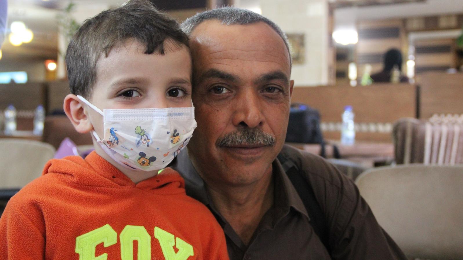 Naeem-AlBayda-and-patient.jpg