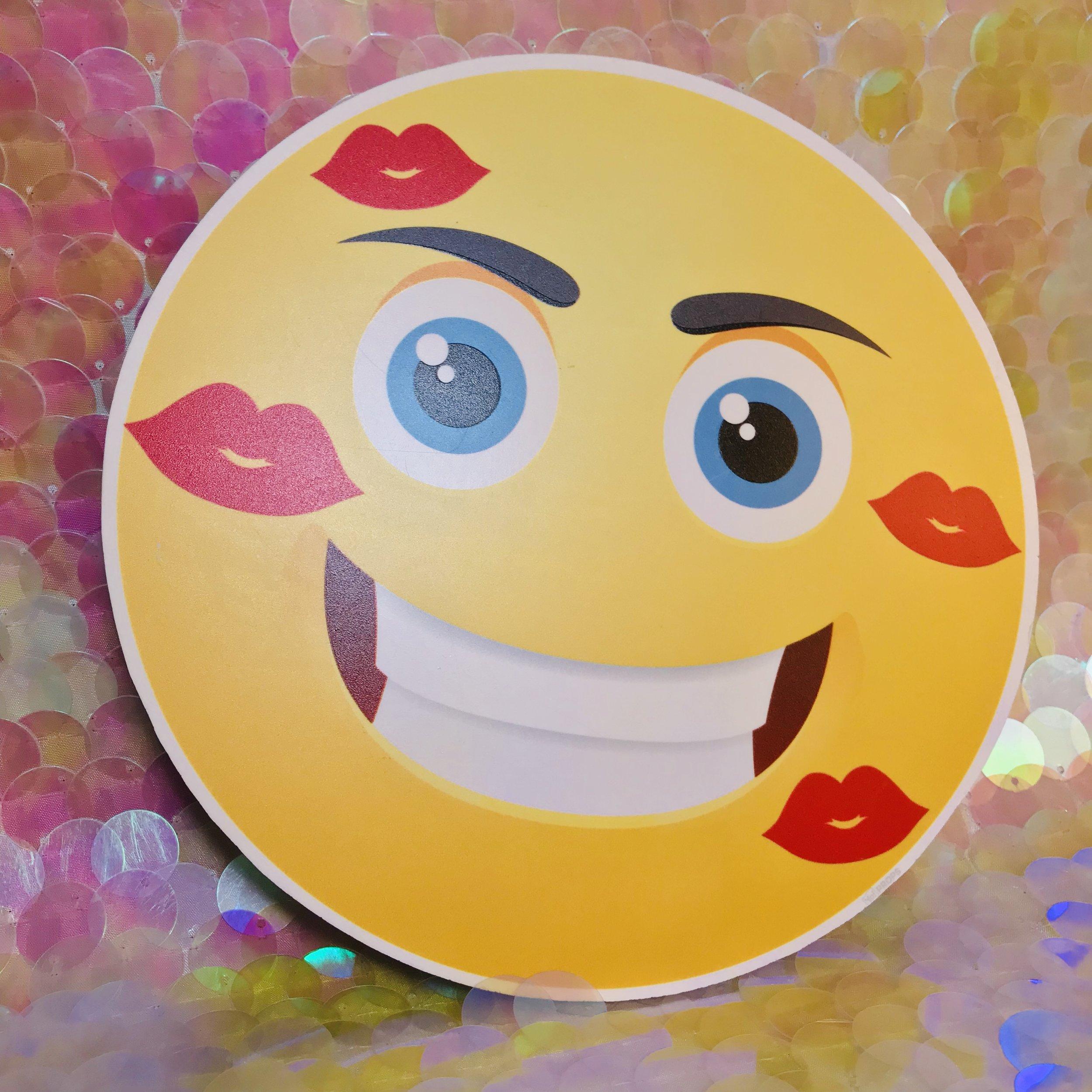 Lips Emoji.jpg