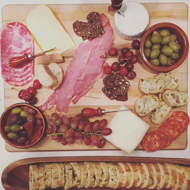 #MyEastEats #meat #cheese #simple #food #cherries 🍒 #olive #grapes #baguette #bread