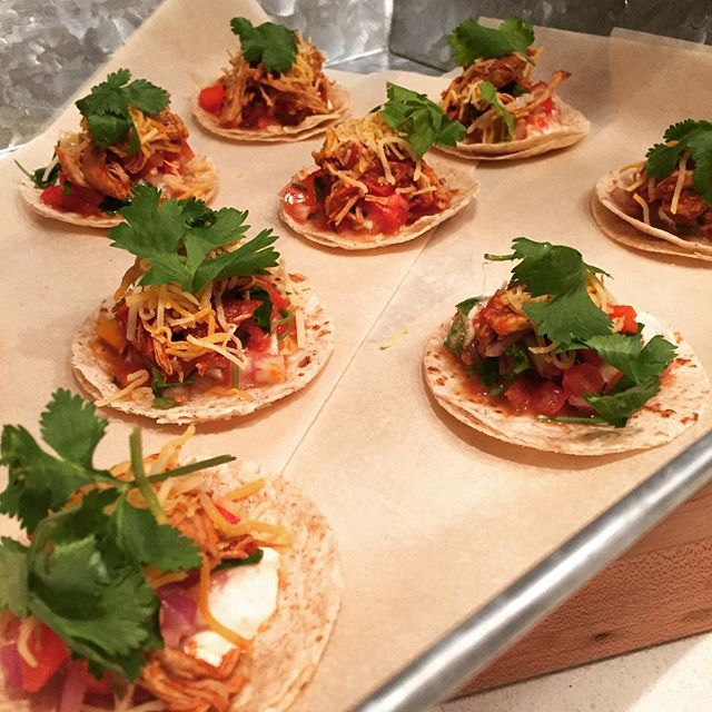 #MyEasyEats Homemade Mini Tortillas with Chilli Spiced Chicken and Homemade Salsa! ❤️❤️❤️ #Chicken #Chilli #Homemade #Mini #Tortilla #Coriander #Fresh #Salsa #Yummy #Yum