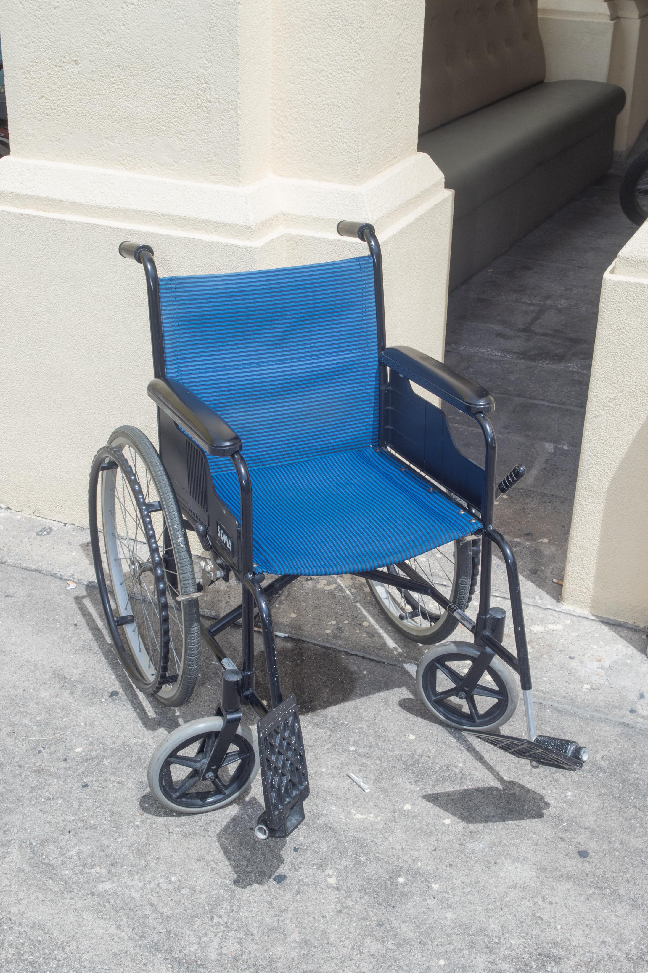 blue-1498.jpg