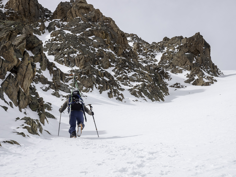 Climbing Shart Col - Jonah