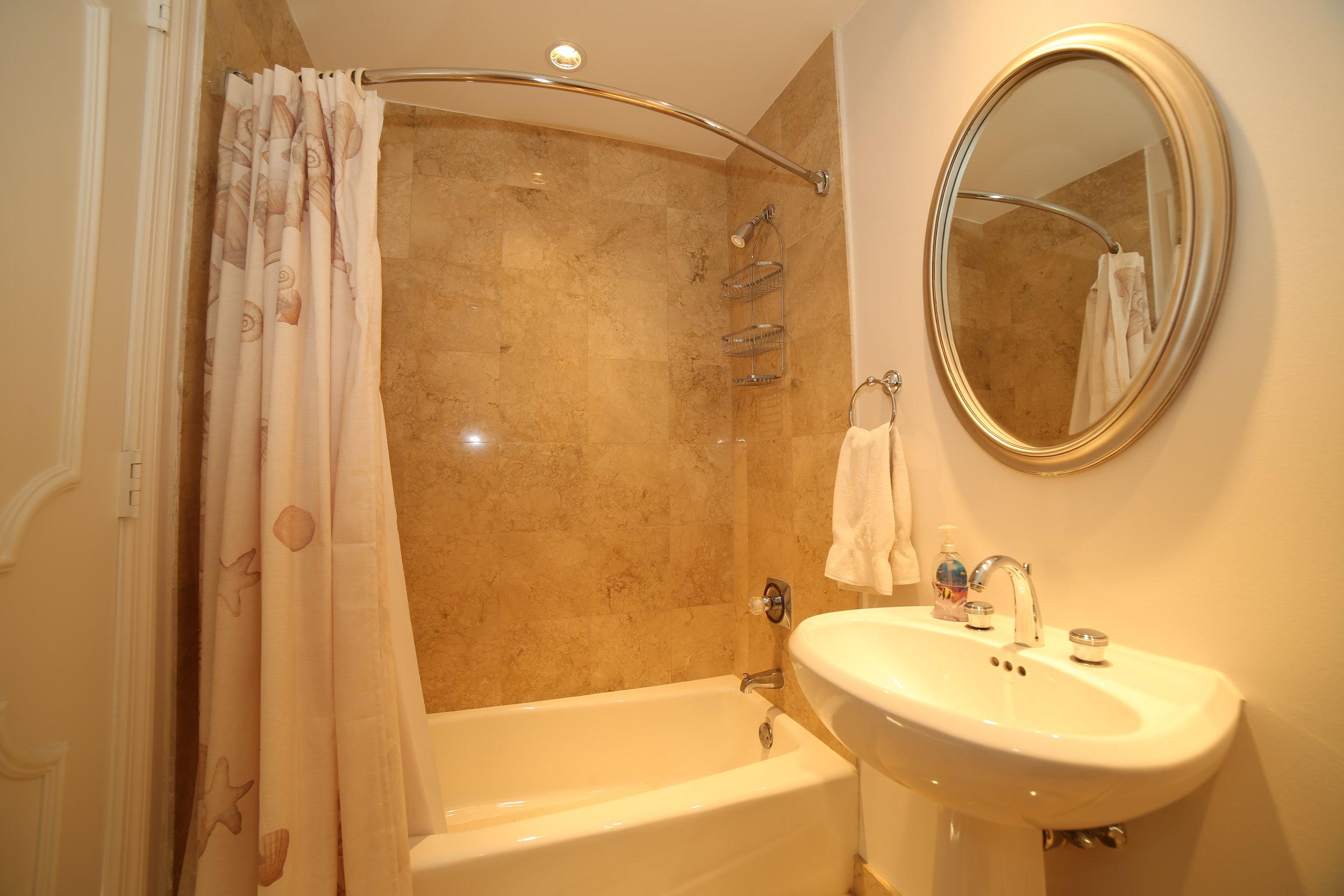 Bath2_1.jpg