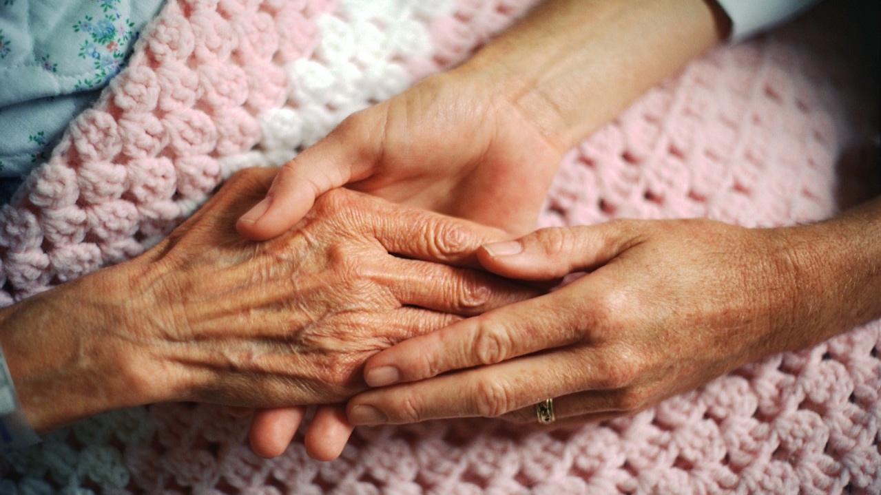 elderly-hand12.jpg
