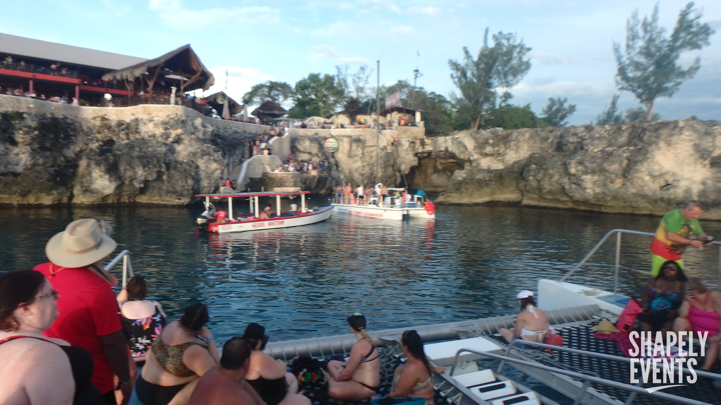 Day Trip To Negril - The BBW Travels.com crew makes it a point to put together fun & affordable excursions.