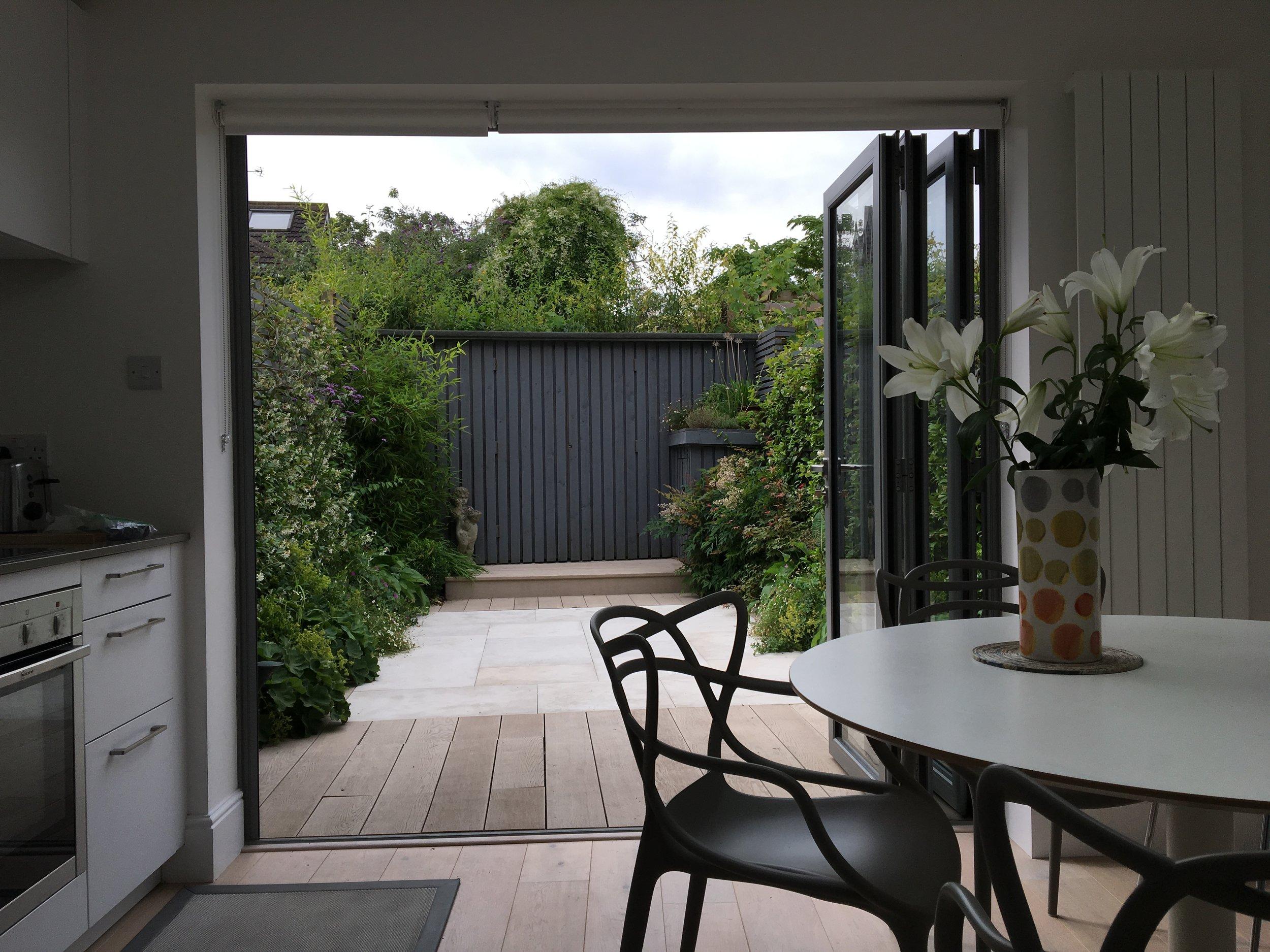 Small Architects Courtyard Garden in Twickenham