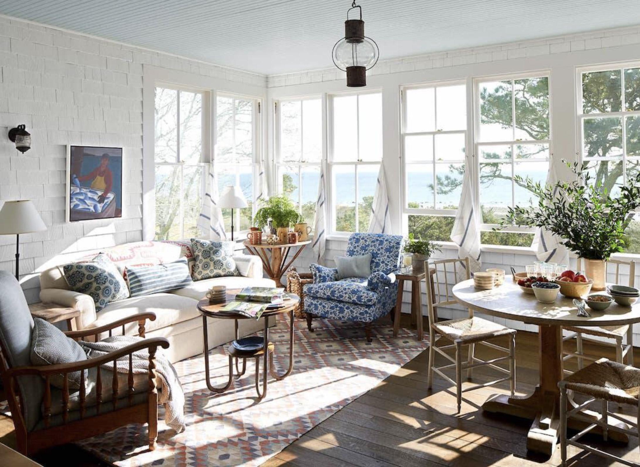 House Beautiful Liliane Hart 2018 Hook and Grommet Window