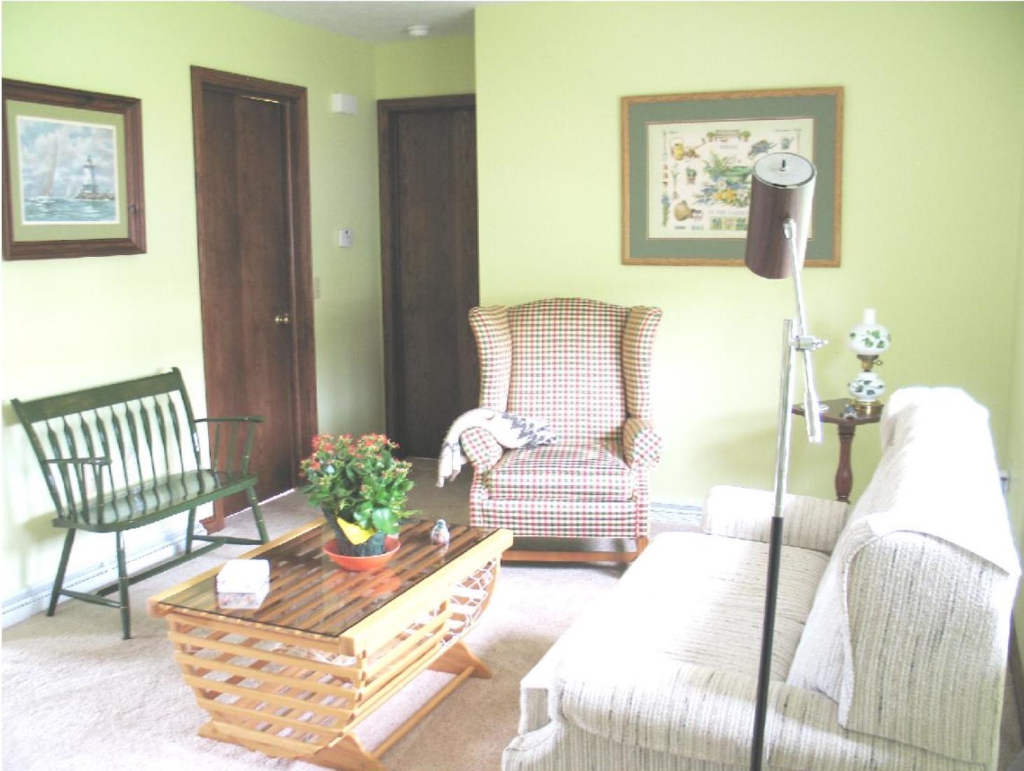 pic,livingroom.jpg