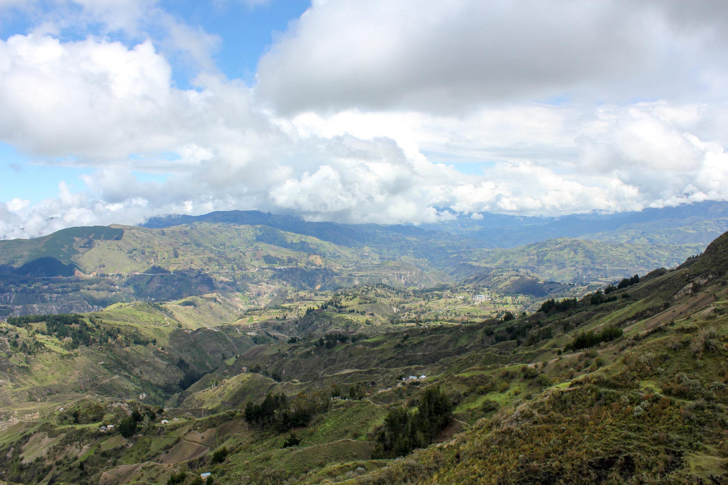 Verdant Landscape of the Ecuadorian Andes