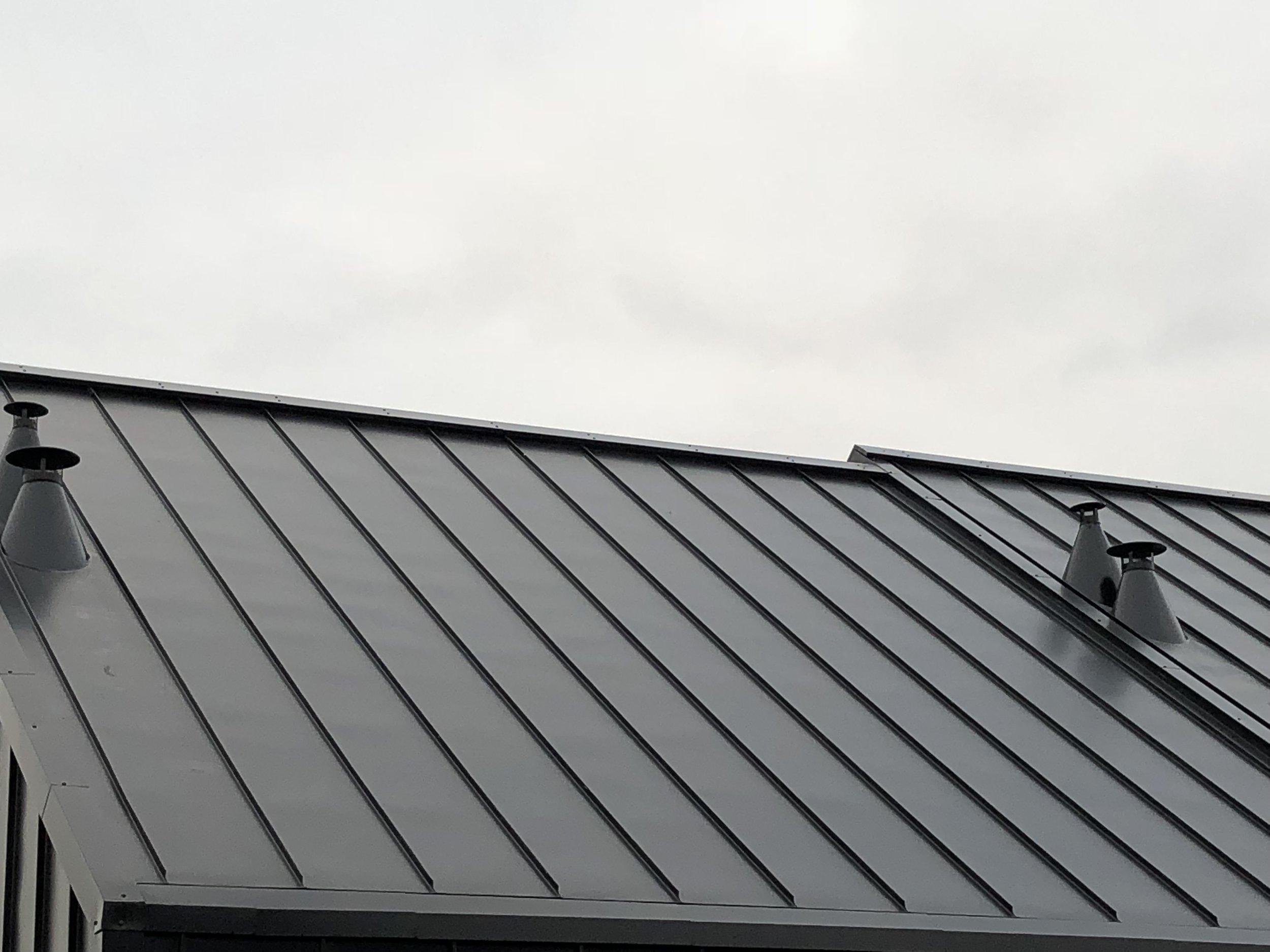 Pose des sorties de toiture sur-mesure