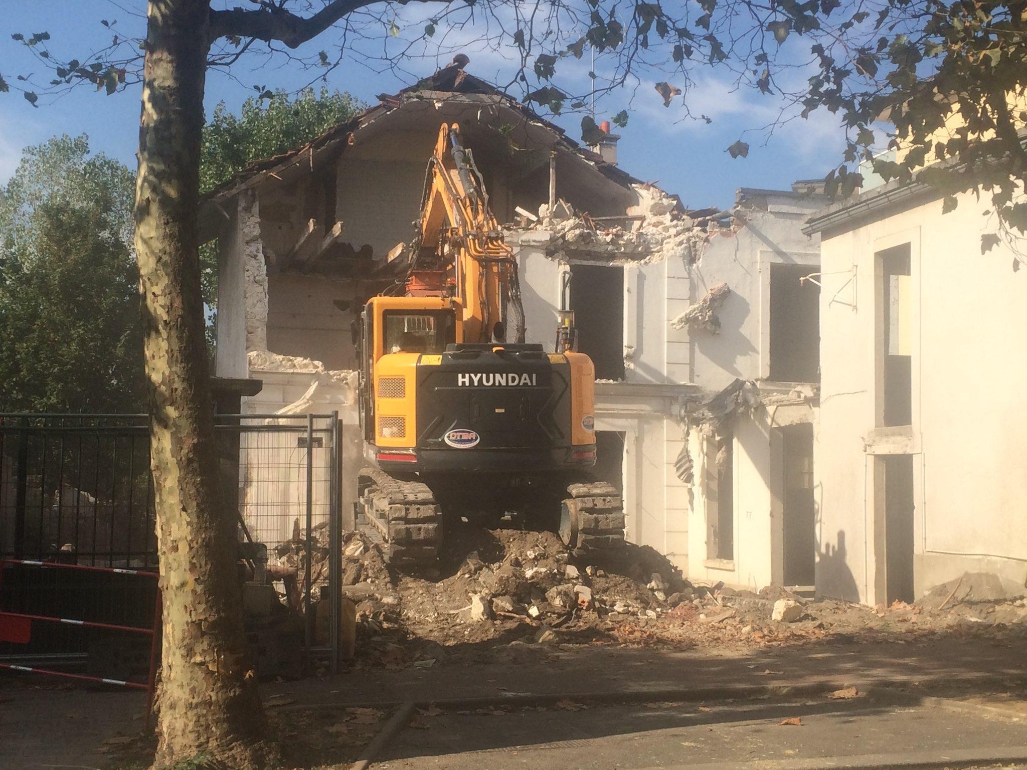Démolition des bâtiments existants