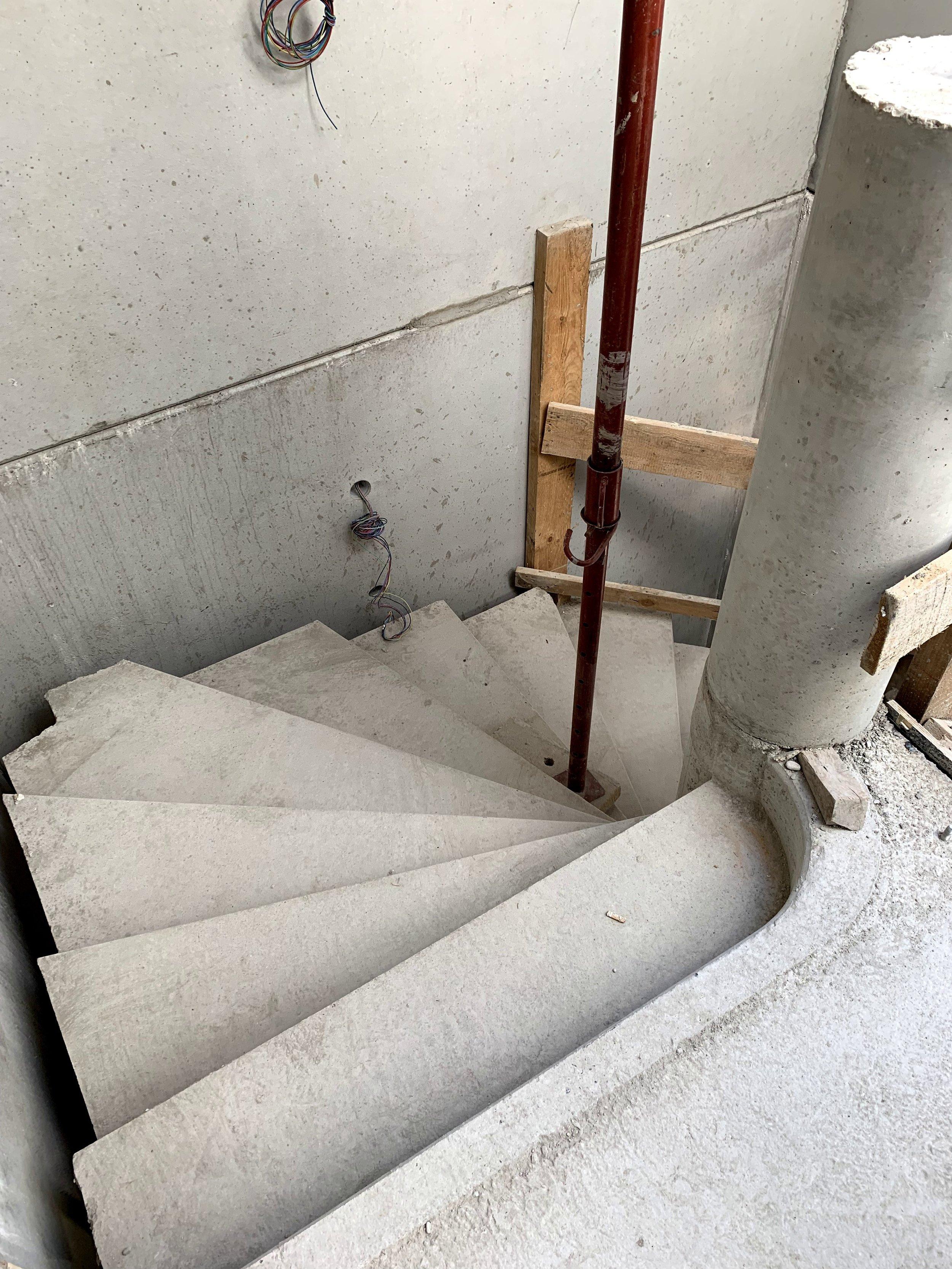 Escalier de secours en place