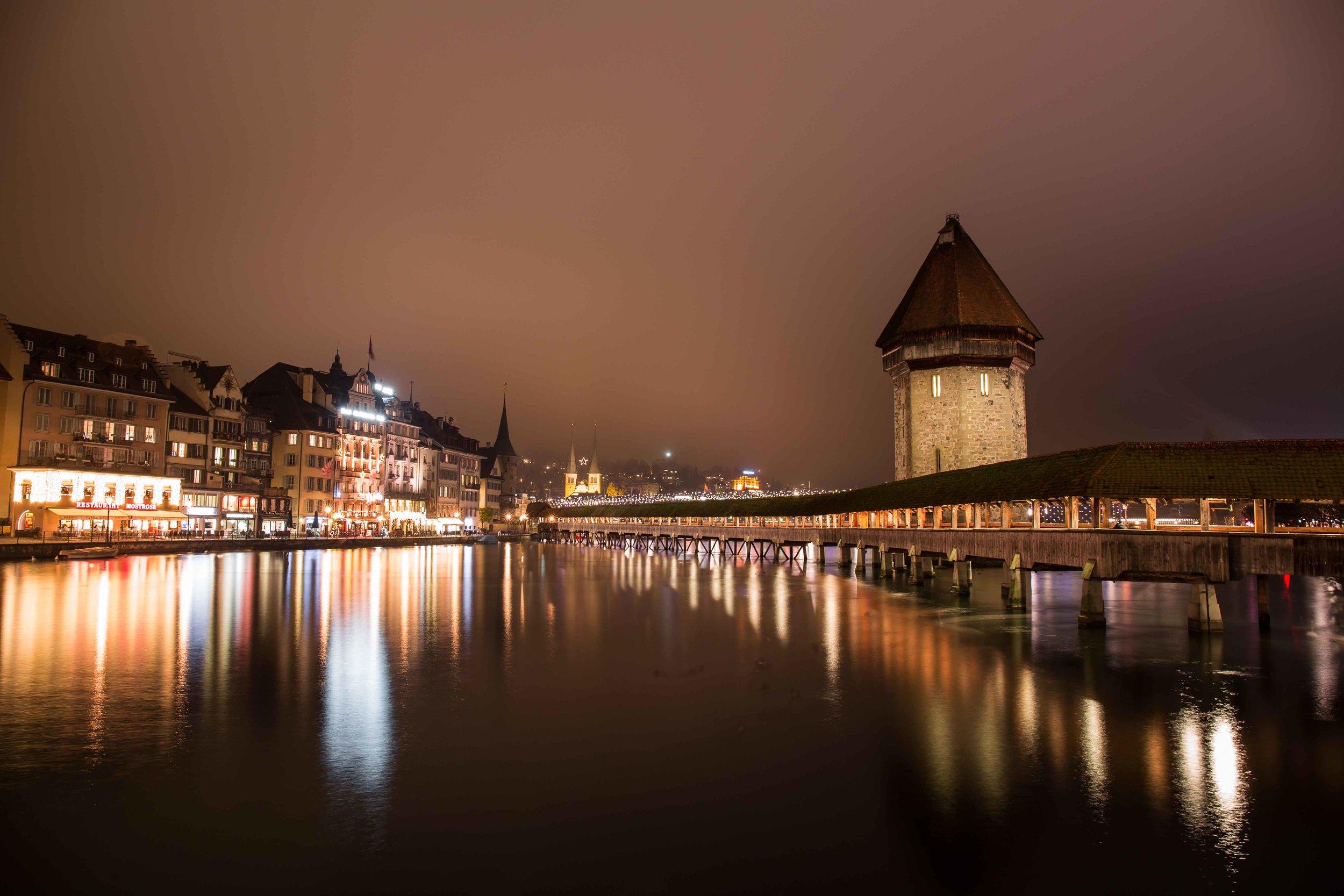 Kappelbrücke Nachts-9877.jpg