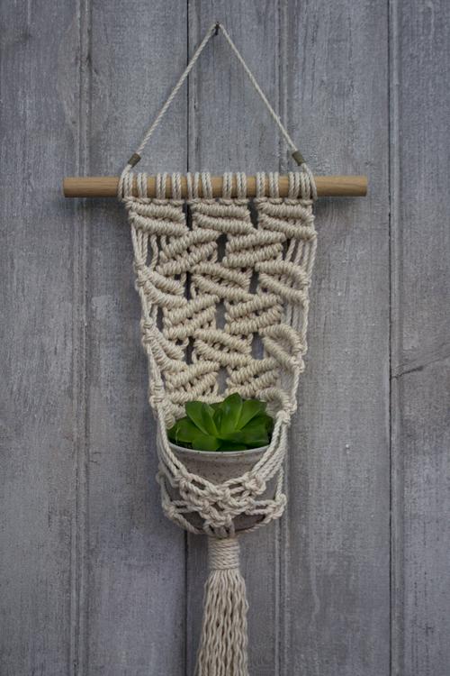 Small-Falling-Leaves-Plant-Hanger.jpg