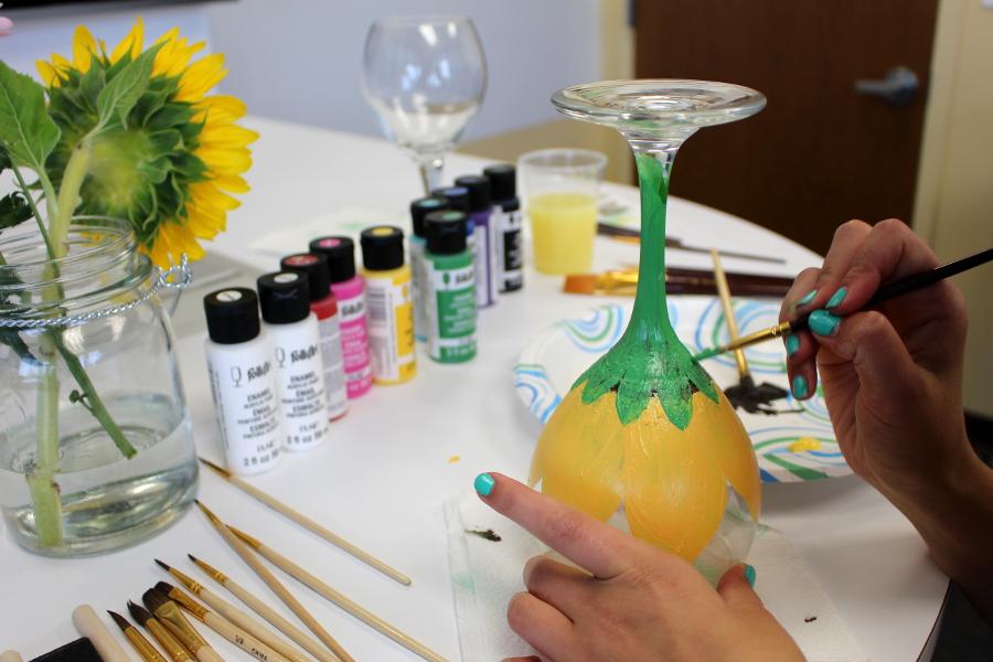 wine-glass-painting-sunflower.jpg