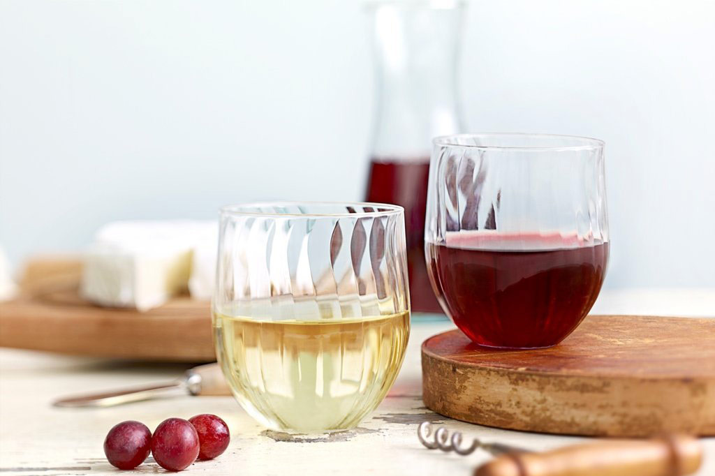 DRINKS - $6.00/PPChoice of 1 6oz glass of Wine (house red or house white), 1 bottle of hard Cider, 1 Spiked Seltzer or non-alcoholic beverage (max of 3 refills on non-alcoholic)