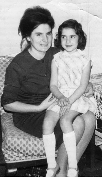 1967, at home in Bucharest with mother Vasilica Kardos