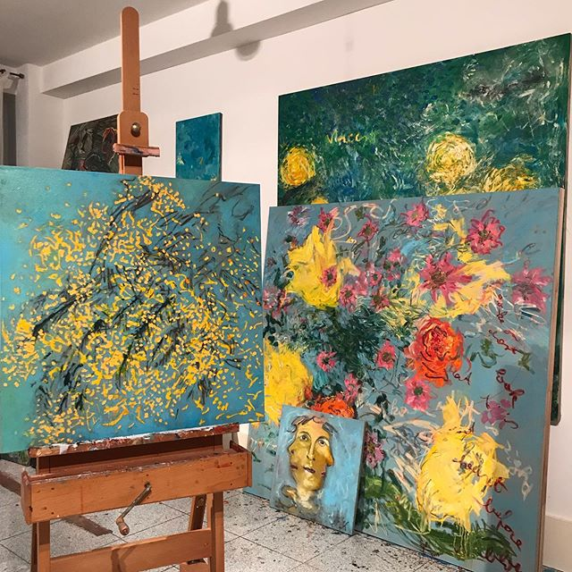Blues in the #studio #blue #flowers #artistsoninstagram #contemporaryart #contemporarybritishpainting #artcollector #artcurator #painterly #womenartists #britishpainters #londonartscene