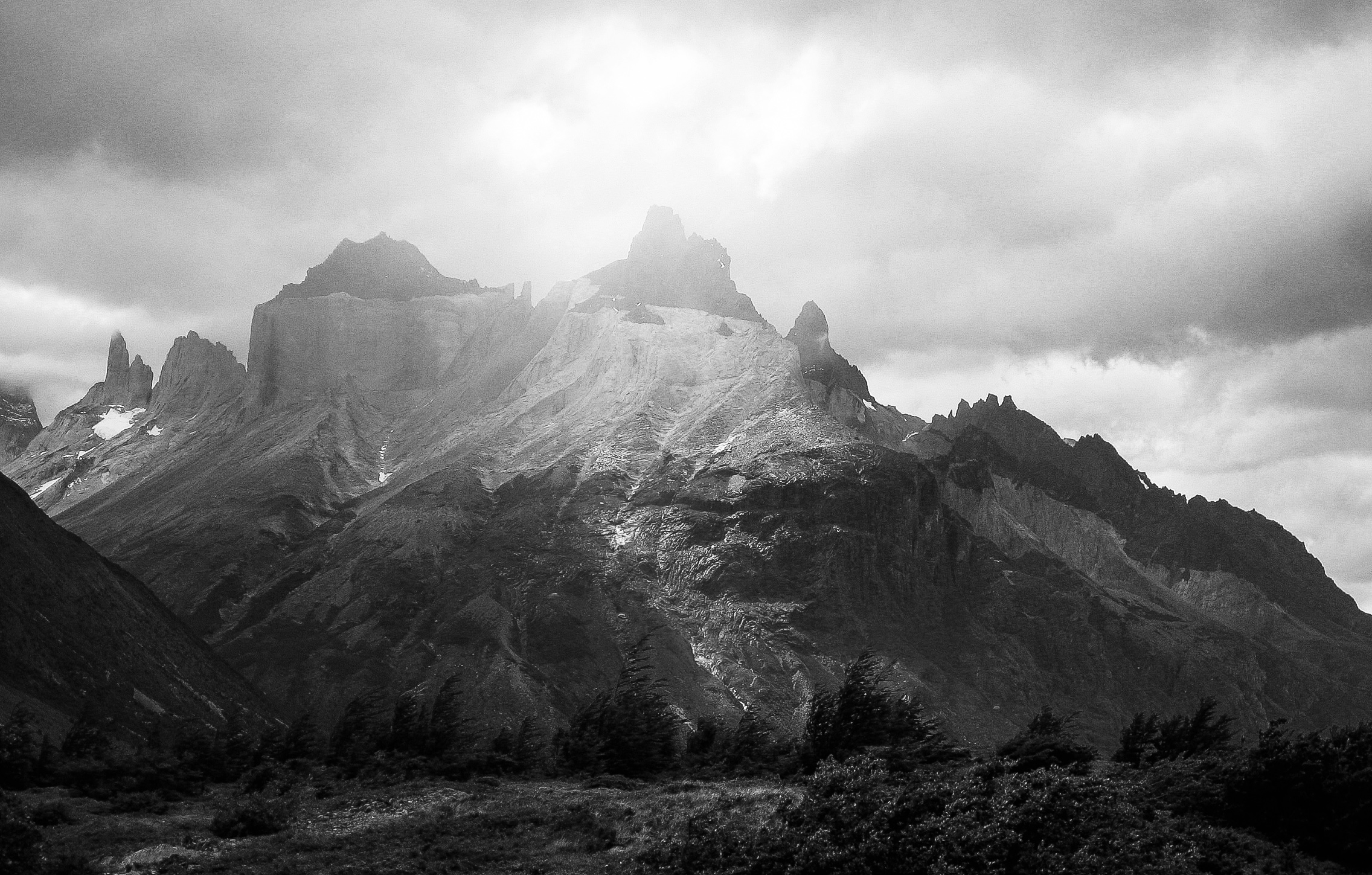 chilean_patagonia_national-park-torres-del-paine_day3-3694-_mountain-in-haze.jpg