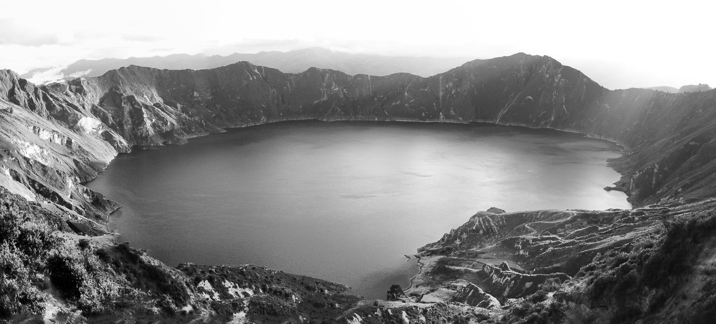 latagunga-to-chugchilan-gringoloop_quilotoacrater-past-guayama-to-chugchilan-9306-8-_crater-panorama-looking-down.jpg