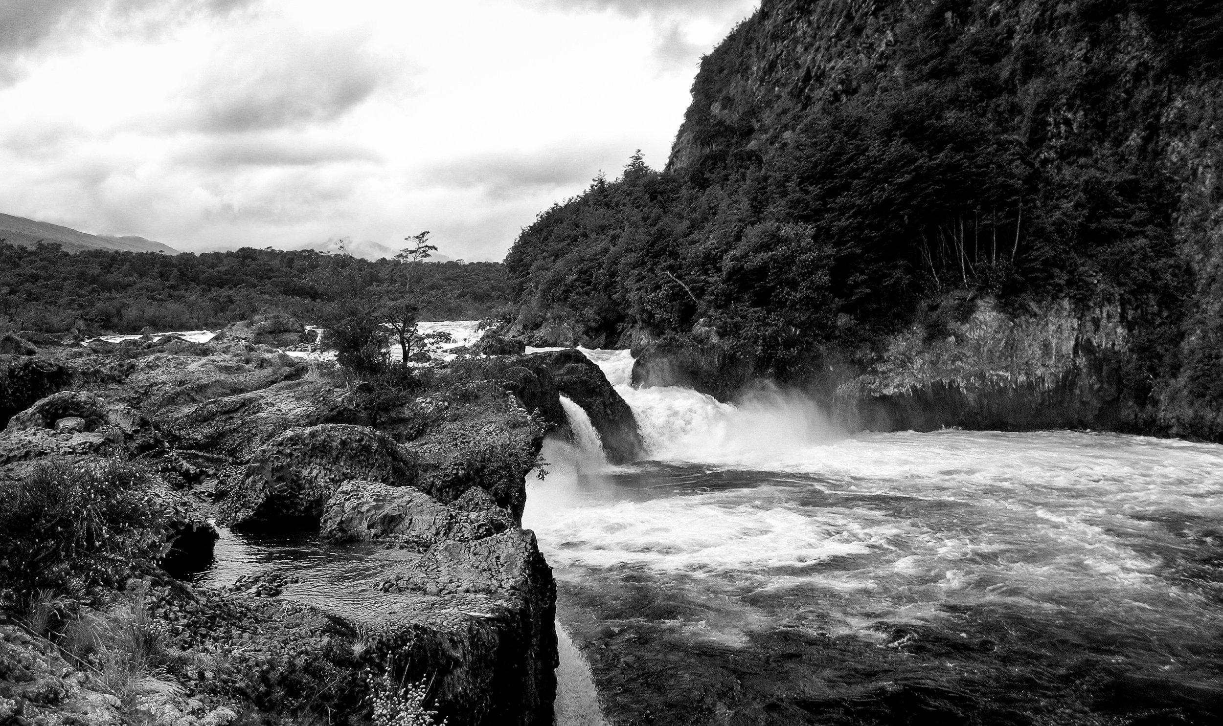 los-lagos_saltos-de-petrohue-540-1-_waterfalls.jpg
