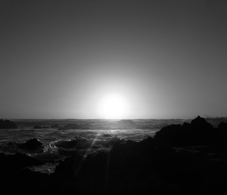pichilemu-0061-_waves-on-rocks.jpg