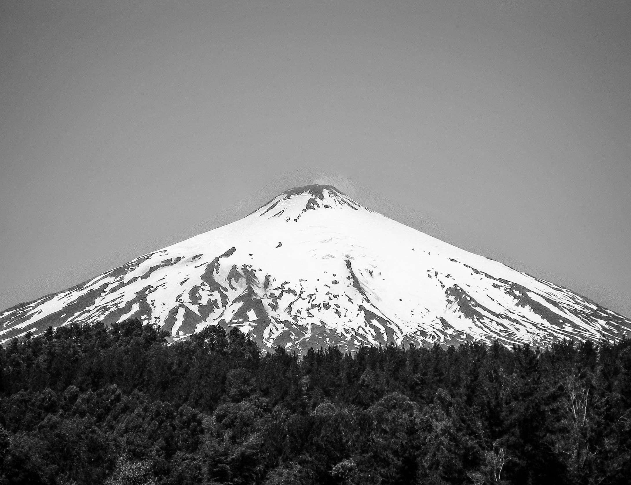 pucon_town-125-_volcano-villarrica.jpg