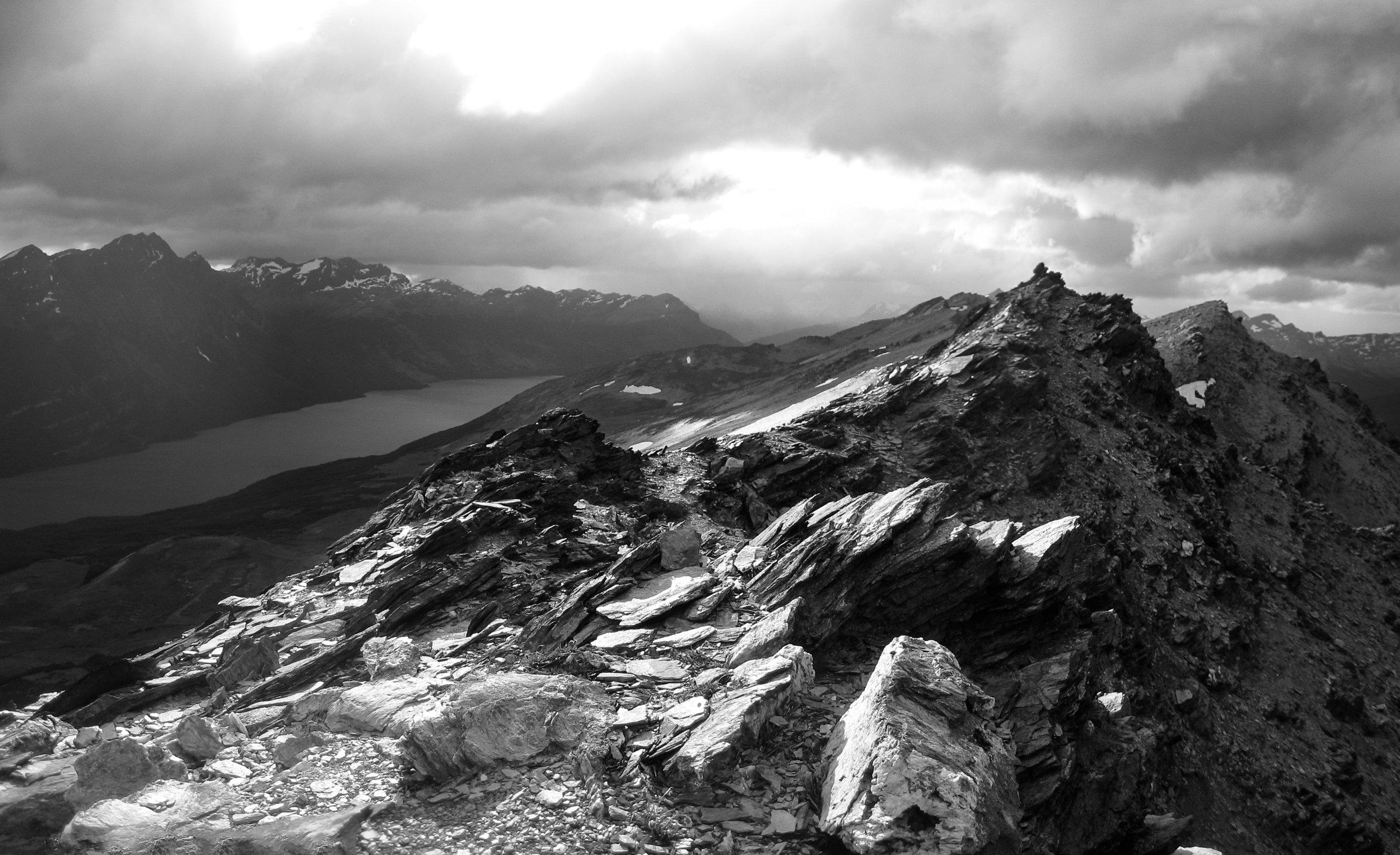 tierra-del-fuego_ushuaia_parque-nacional_day1-5098-9--bw_jagged-rocky-ridge.jpg