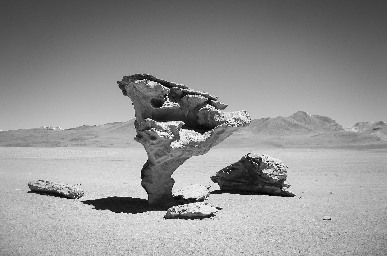 uyuni_salt-flats_day2-8872-_tornado-rock-form.jpg