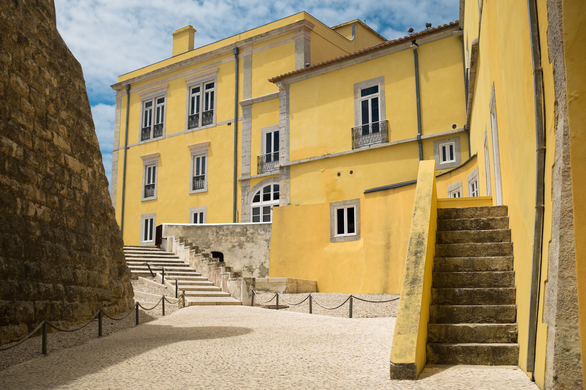 4844-portuguese-architecture-lisbon-porto.jpg