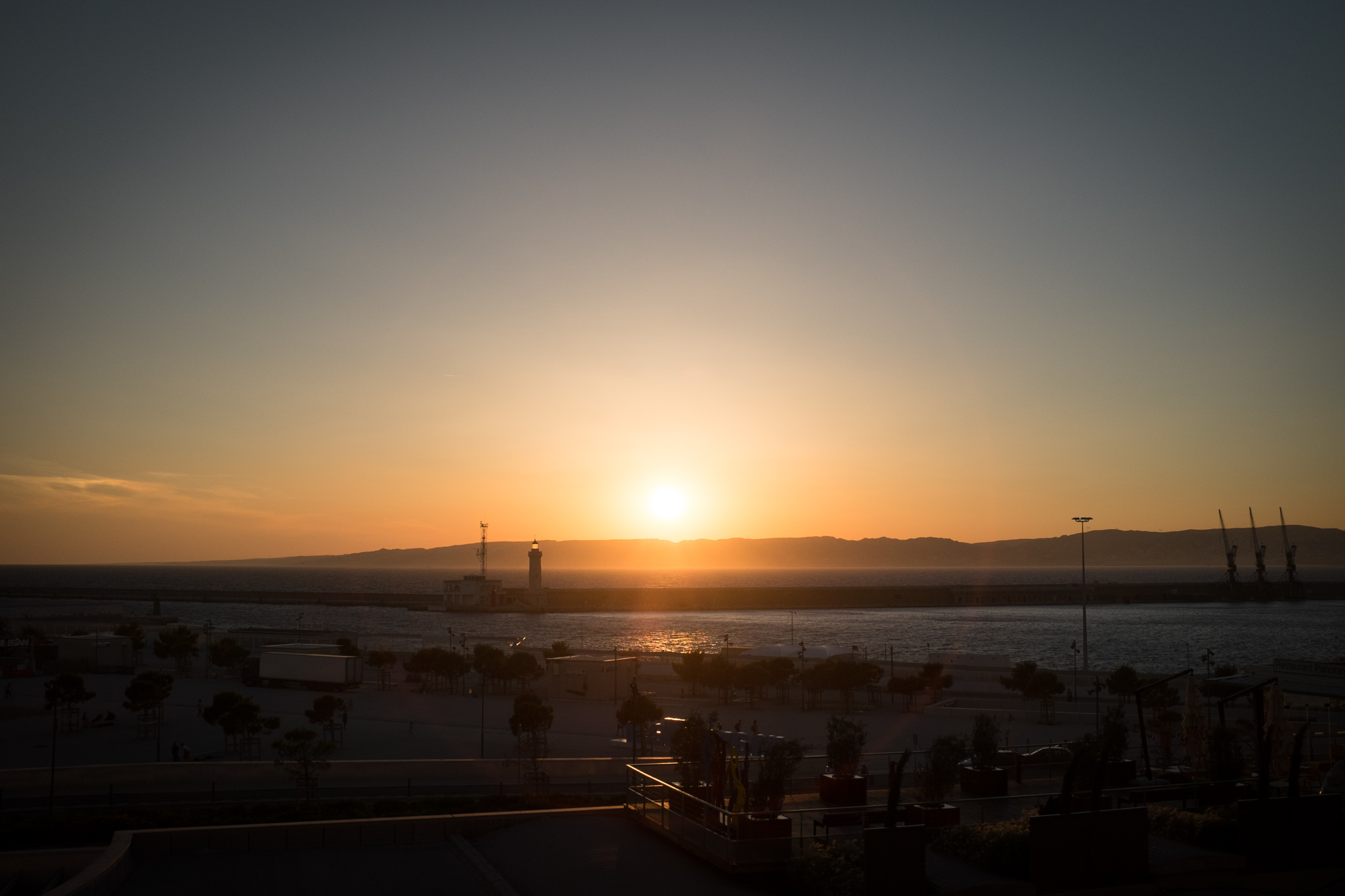2777-urban-provence-marseille-sunset.jpg