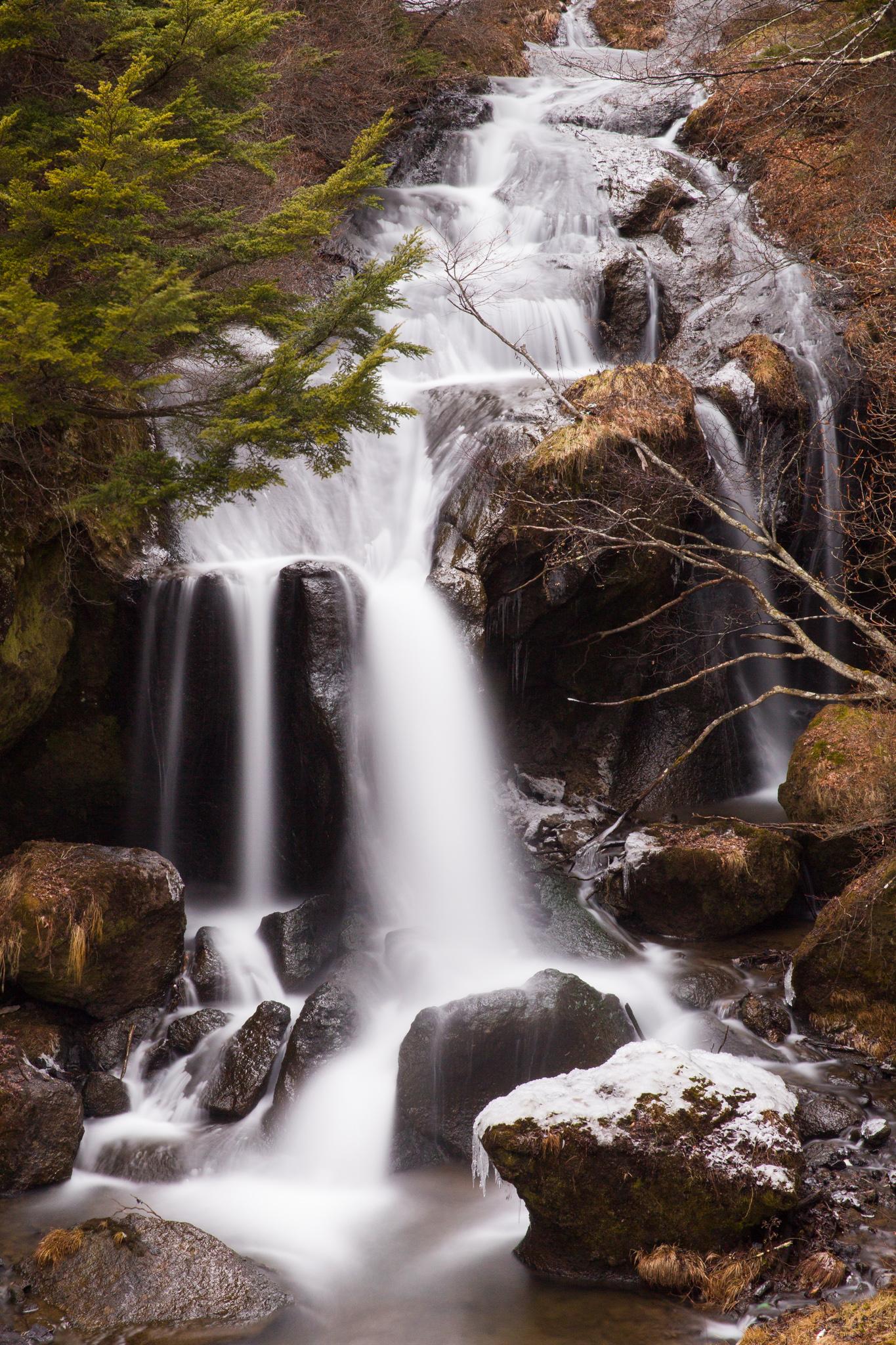 6651-japan-nature-waterfall.jpg
