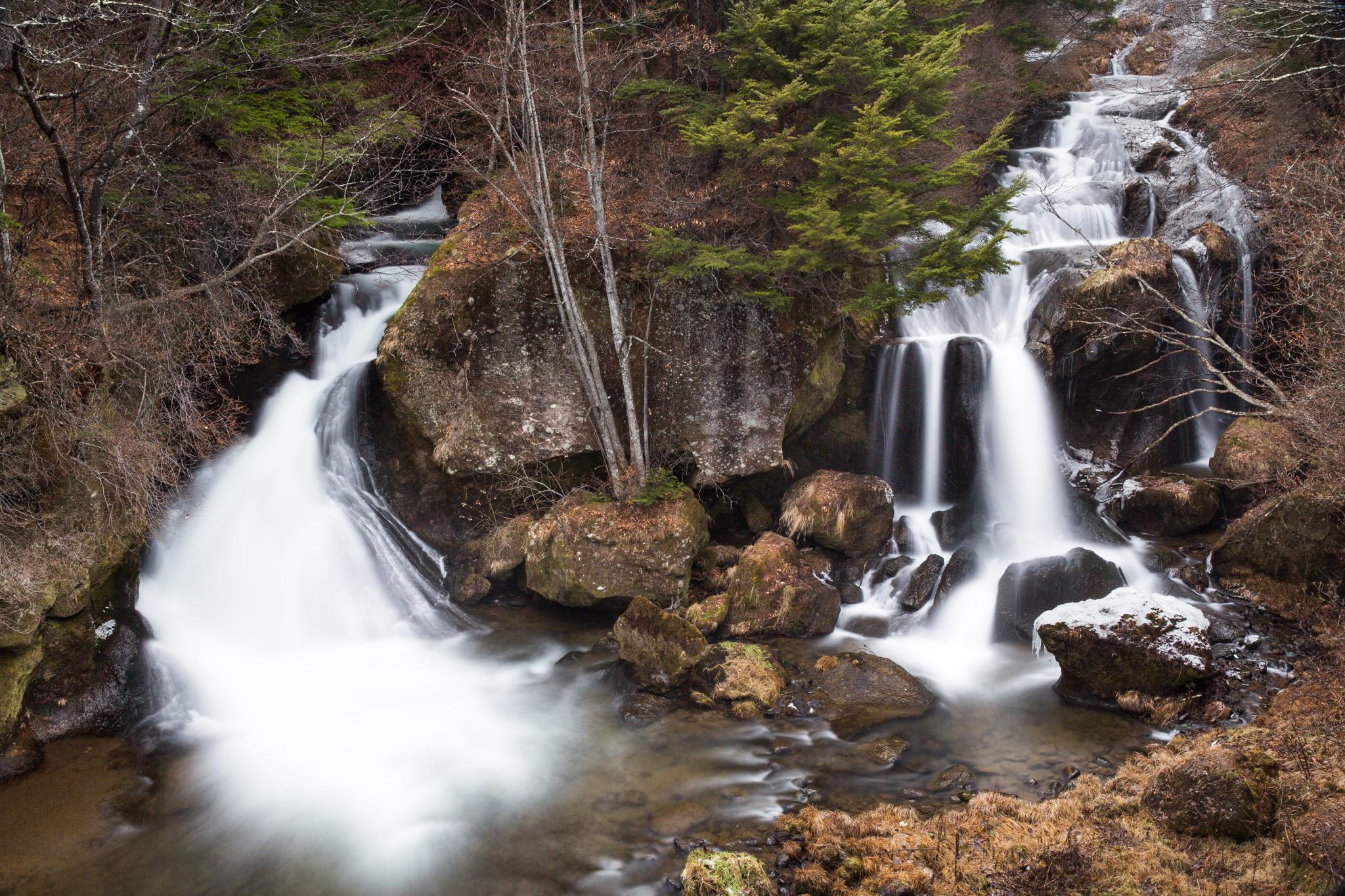 6648-japan-nature-waterfall.jpg